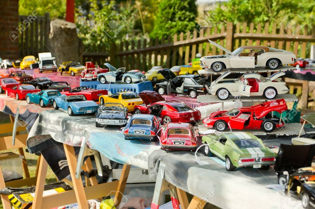 Model Cars For Sale >> Weybridge Surry Uk August 19 A Display Of Model Cars For