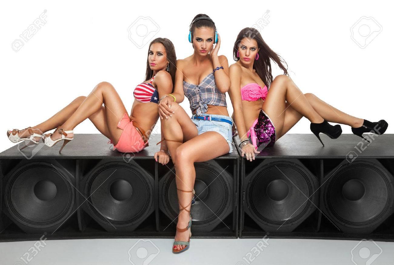 Resultado de imagen para sexy girl and speakers