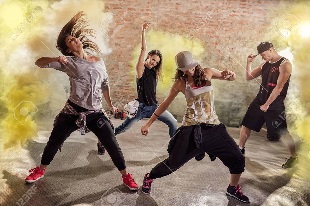Cardio  dance fitness workout Banque d'images - 56319633
