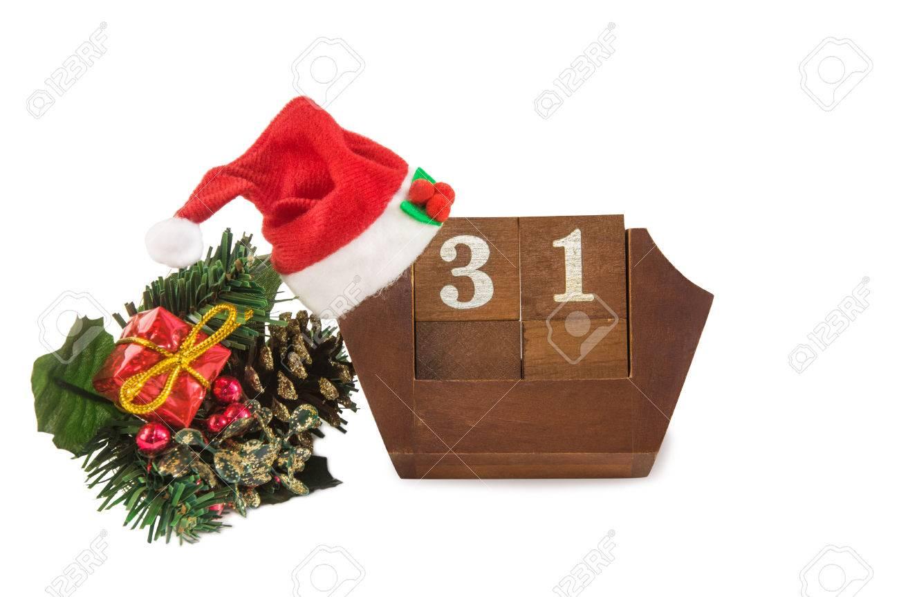 82de9fd477f6a Cube Shape Vintage Wooden Calendar For December 31 With Santa ...