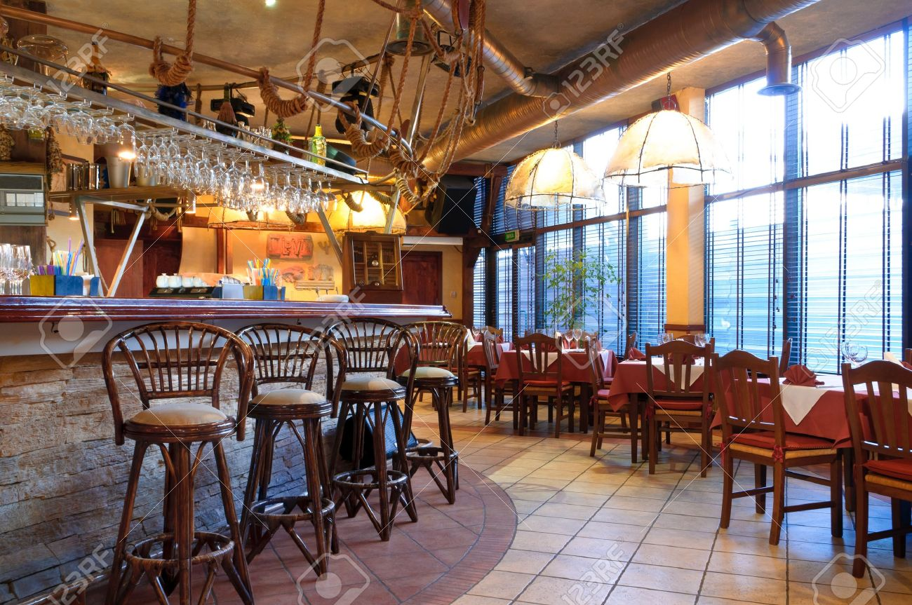 Italian restaurant with a traditional interior Stock Photo - 9583110
