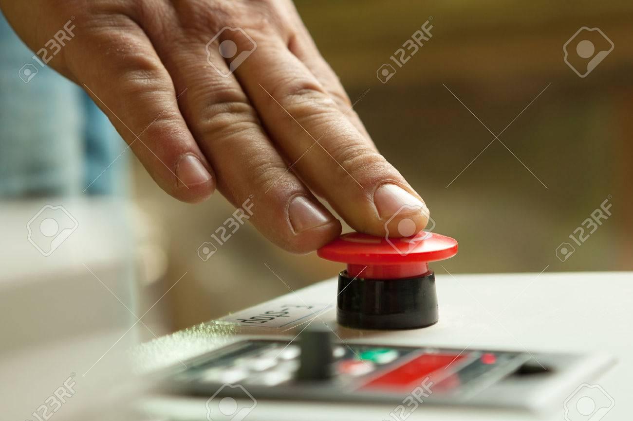 Risultati immagini per pulsante rosso emergenza
