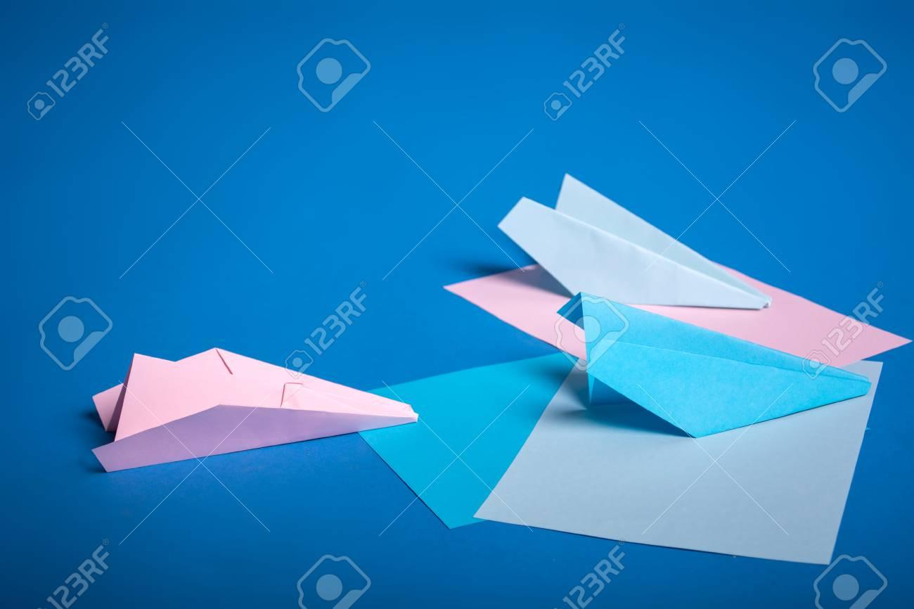 Simple Origami Airplanes Mini Kit - Tuttle Publishing | 866x1300