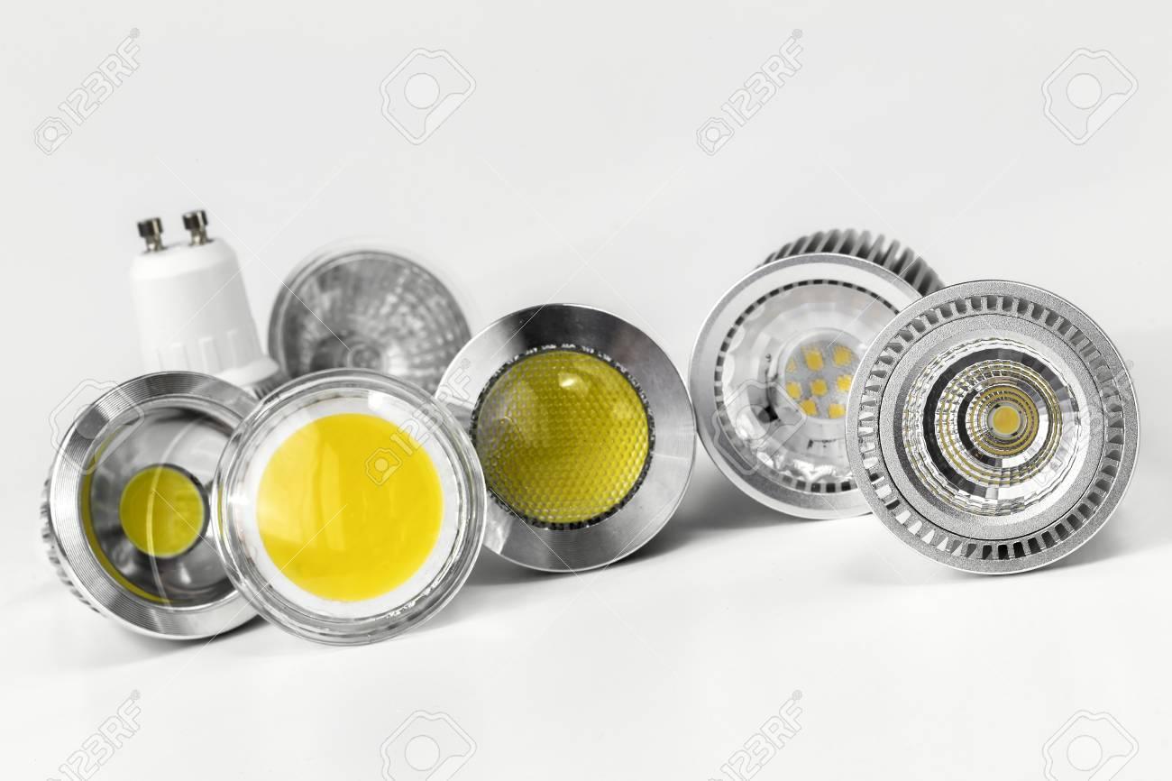 GU10 LED Lampen Mit Unterschiedlichen Größen Der Chips Auch  Unterschiedliche Formen Standard Bild