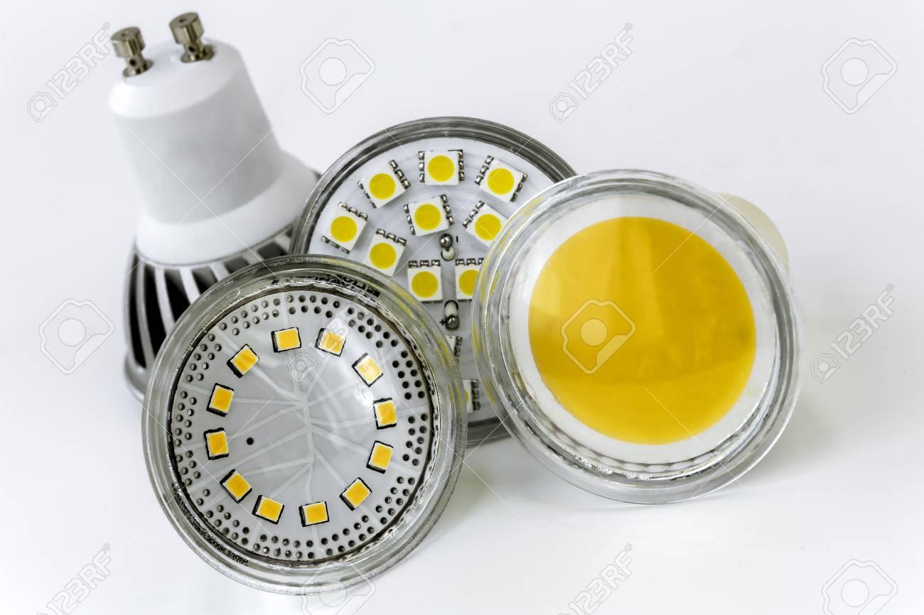 GU10 LED Lampen Mit Verschiedenen Größen Der Chips Auch Unterschiedliche  Formen Standard Bild