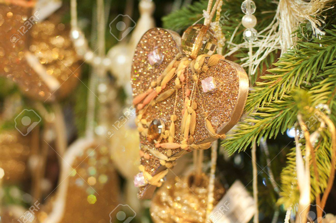 Deffirent Kinds Of Christmas Tree Ornaments And Decorations New ...