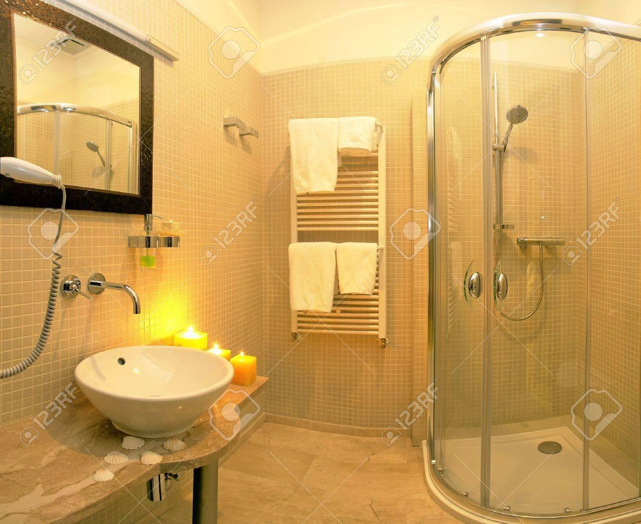 banque dimages intrieurs de luxe et salle de bain moderne - Salle De Bain Moderne De Luxe