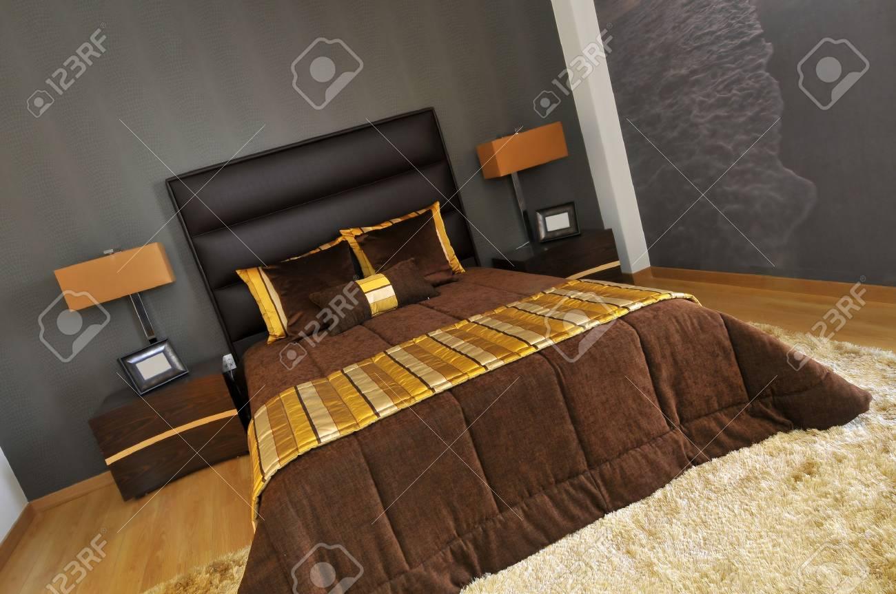 Slaap kamer decoratie in een modern appartement royalty vrije foto