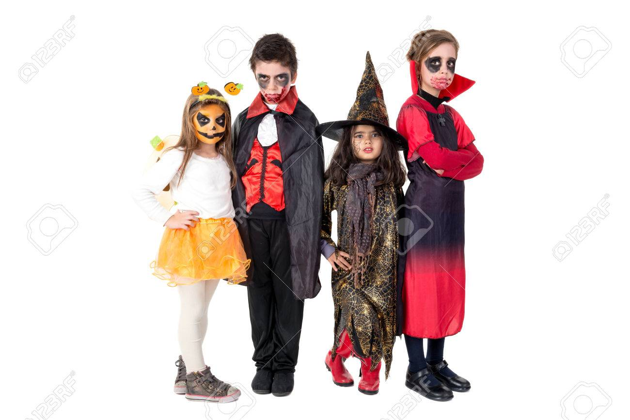Group of kids with face-paint and Halloween costumes - 83148430
