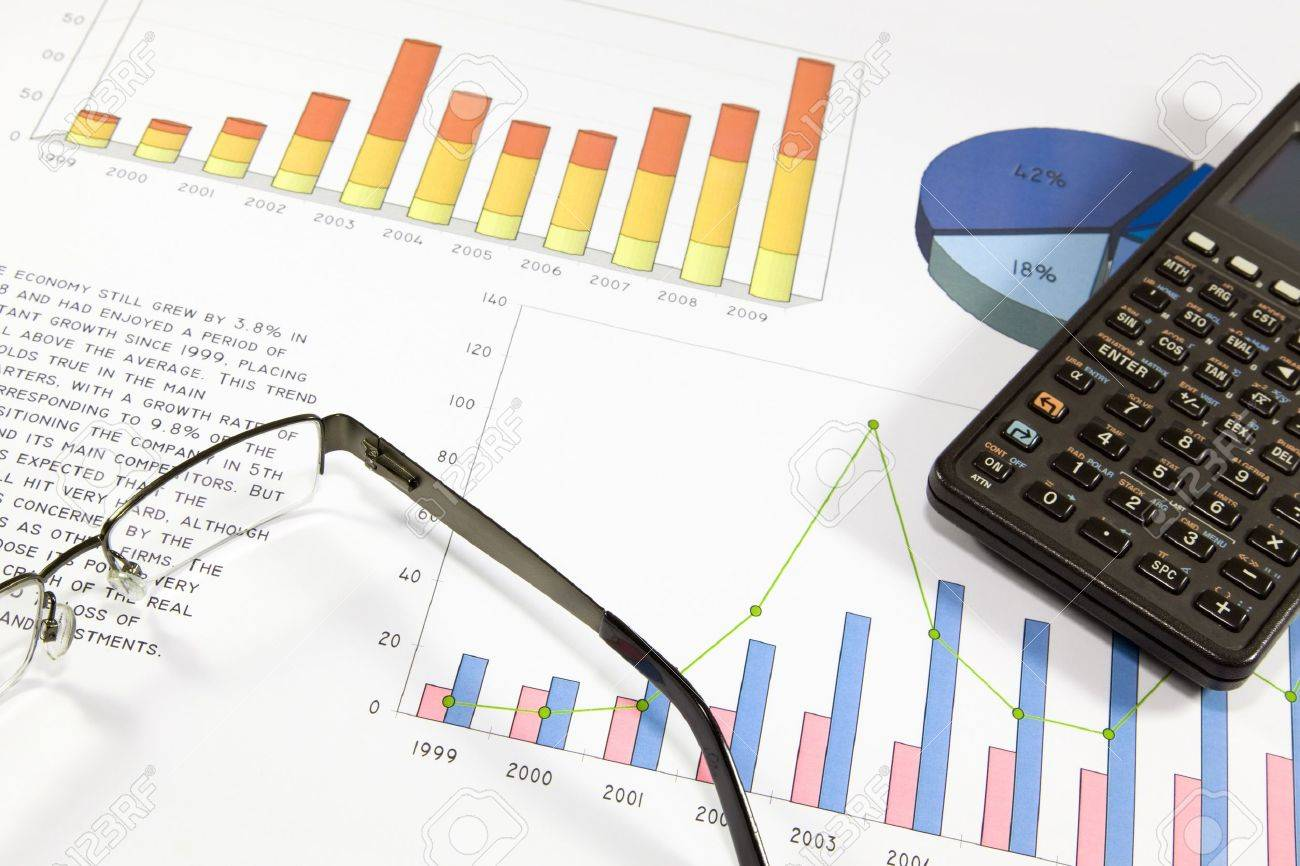 Finantial audit of the balance of a successful company Stock Photo - 14297900