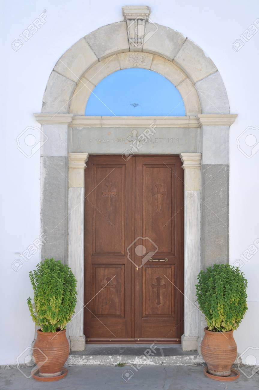 entrance detail of a greek church in Zia village (Kos island) Stock Photo - 7917102