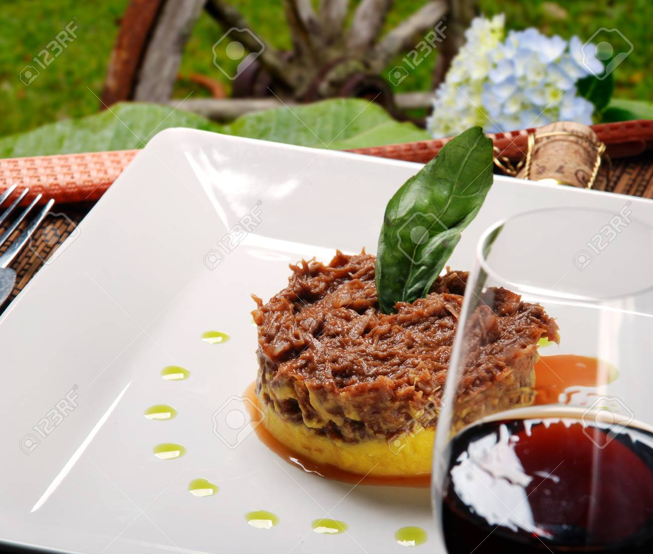 Gehobene Küche | Gehobene Kuche Lizenzfreie Fotos Bilder Und Stock Fotografie Image