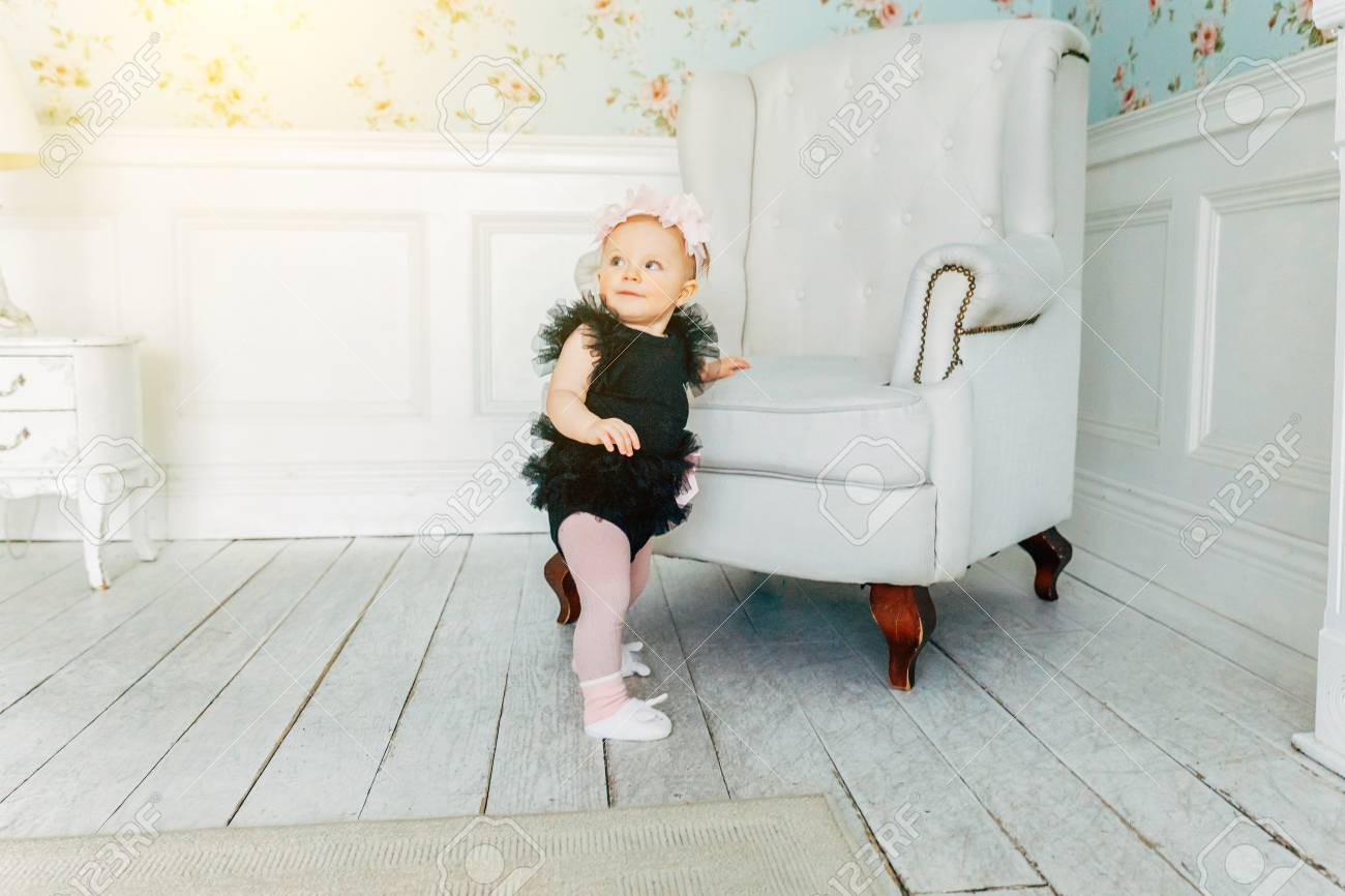 Enjoyable Little Baby Girl One Year Old Wearing Spring Wreath Standing Pabps2019 Chair Design Images Pabps2019Com