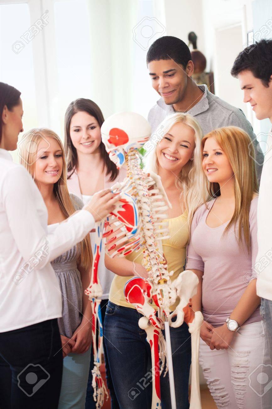 Учительница наглядный урок анатомии 26 фотография