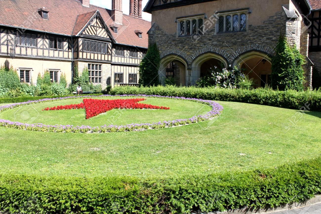 Schloss Cecilienhof Is A Palace Located In Neuer Garten Potsdam