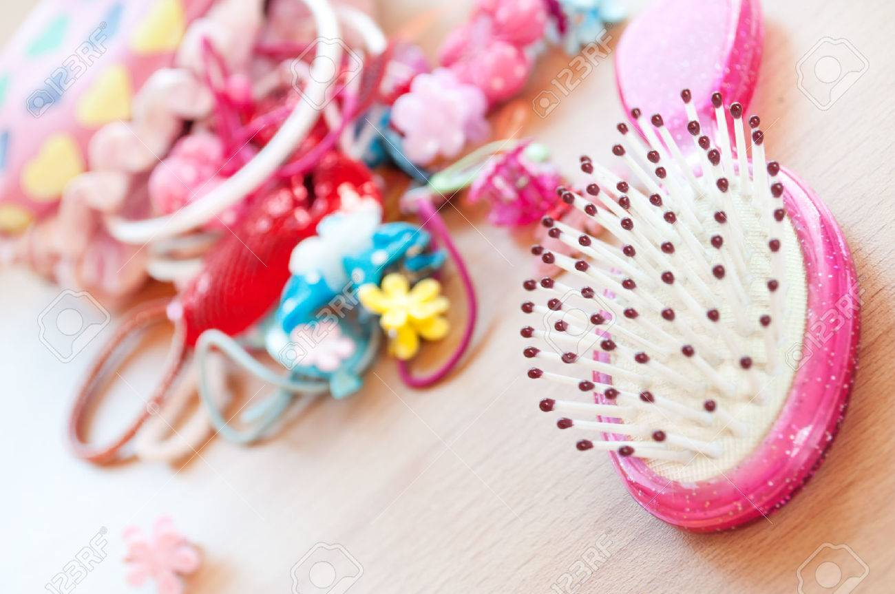 Barrettes and comb for little girls - 25266148