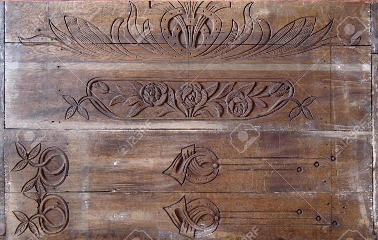 Détails d un art fin de la sculpture sur bois ancien bureau en
