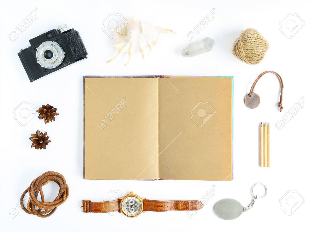 Mock-up Mit Kraftpapier Notebook, Retro-Kamera, Shell, Uhren ...