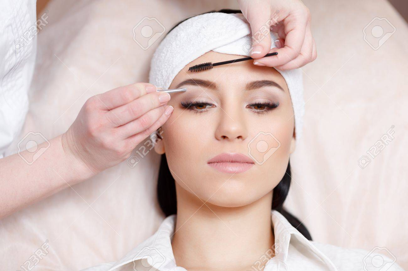 Permanent Makeup Beautiful Young Woman Gets Eyebrow Correction