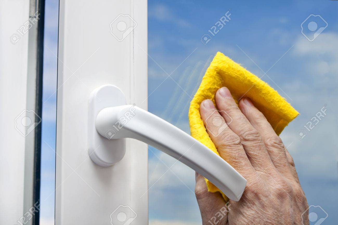 washing windows Stock Photo - 10366124