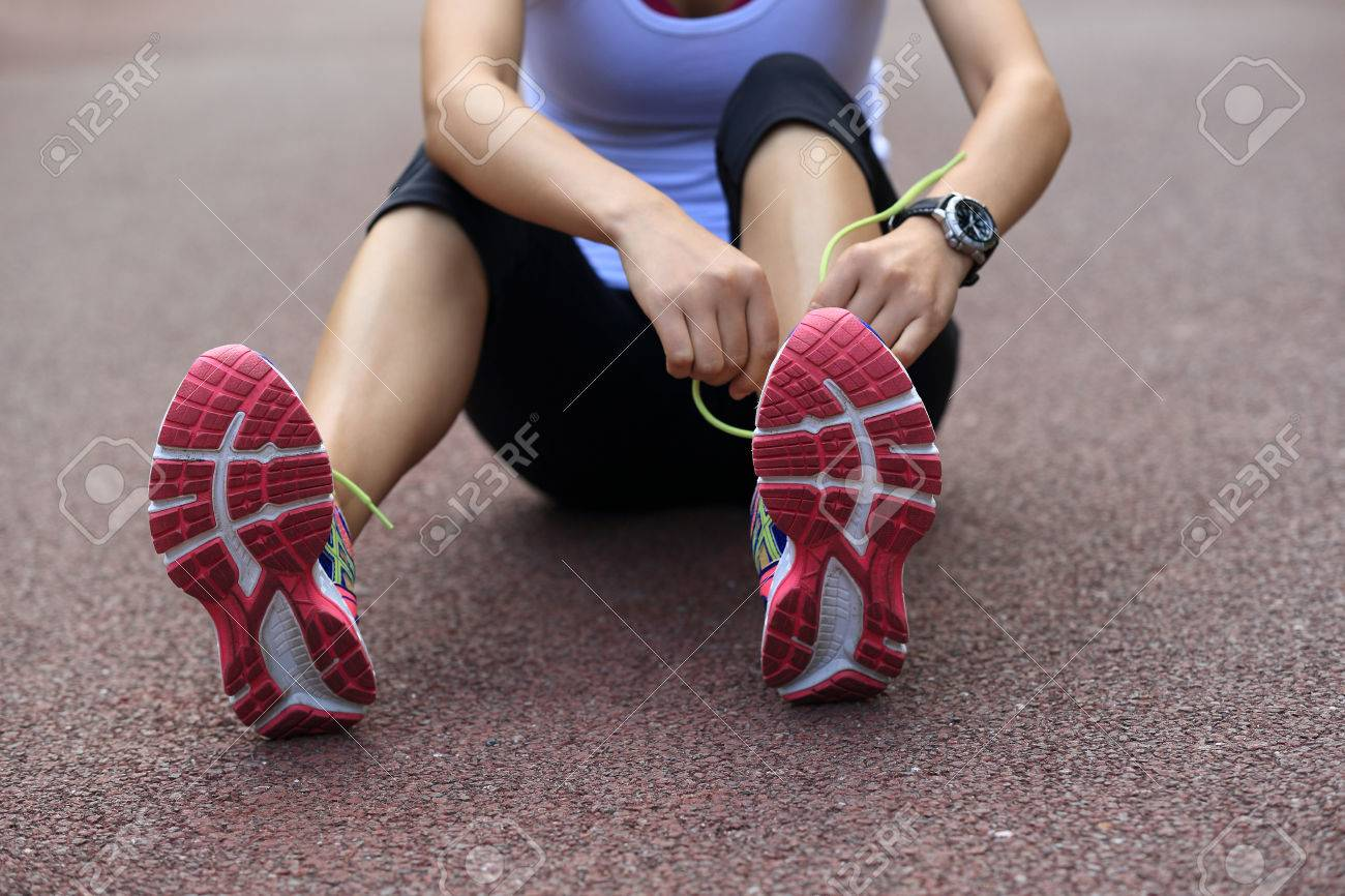 Mujer En De Del Cordones Atar Los Asiática Rastro Joven Zapatos F1q5wBnH