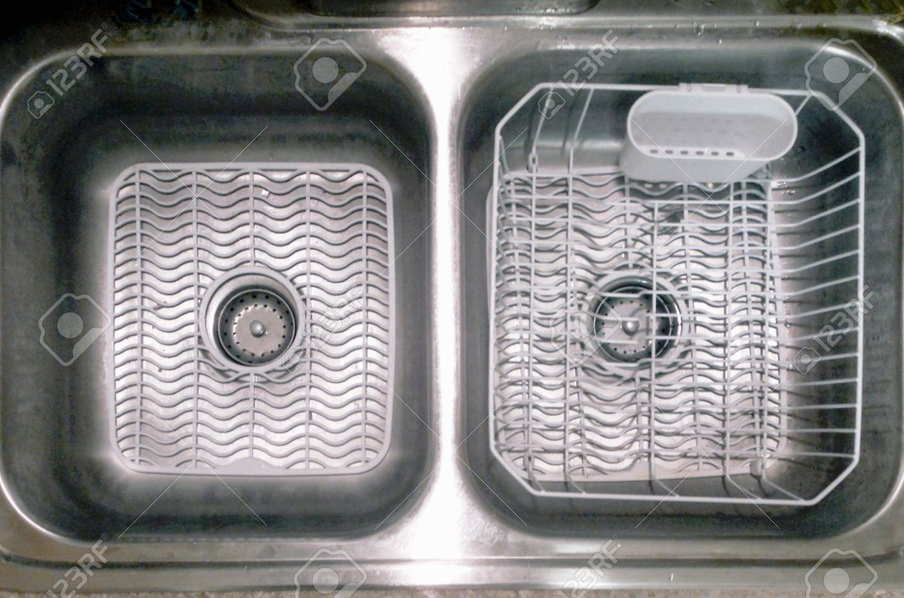 Double Bowl Kitchen Sink With White Mats And Dish Drainer Stock Photo 11309343
