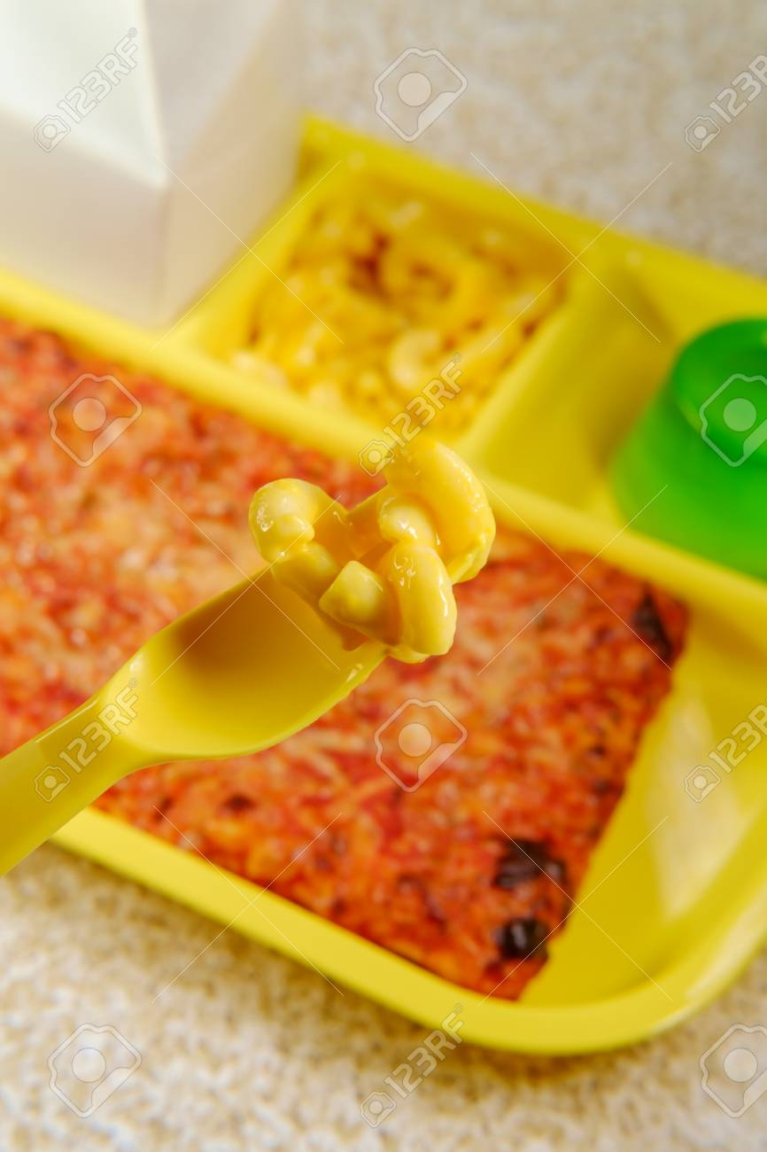 mac and cheese school lunch