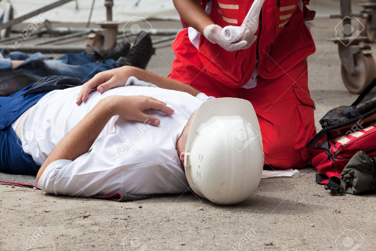 Work accident. First aid training. - 51512809
