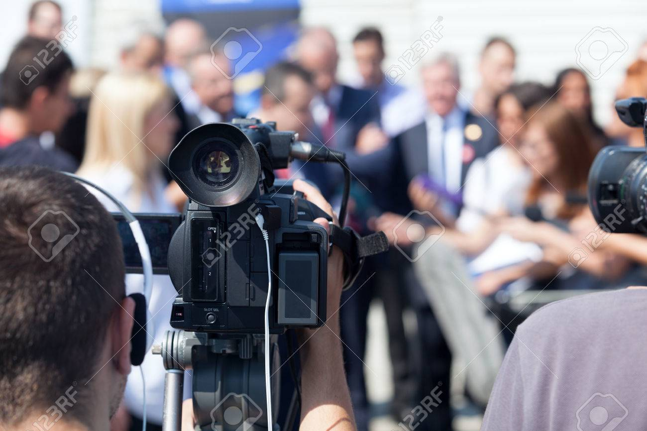 News conference. Journalism. - 67069416