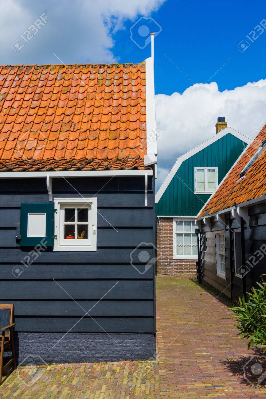 Window of a typical house in Marken, Netherlands, a small fisherman s town Stock Photo - 18763765
