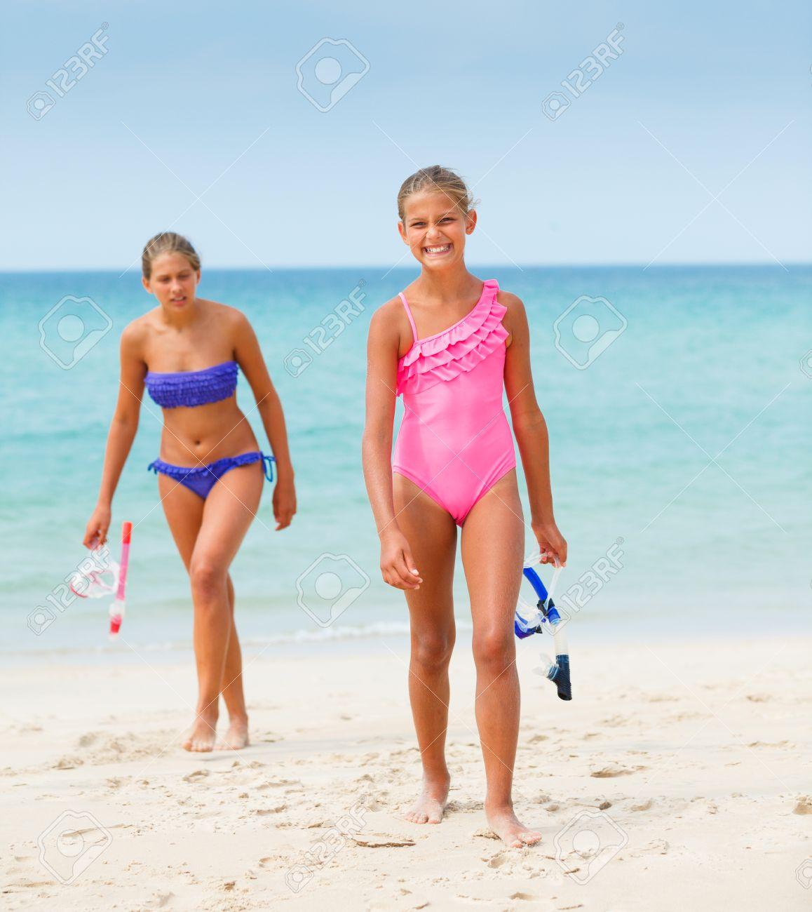 beach girls pics