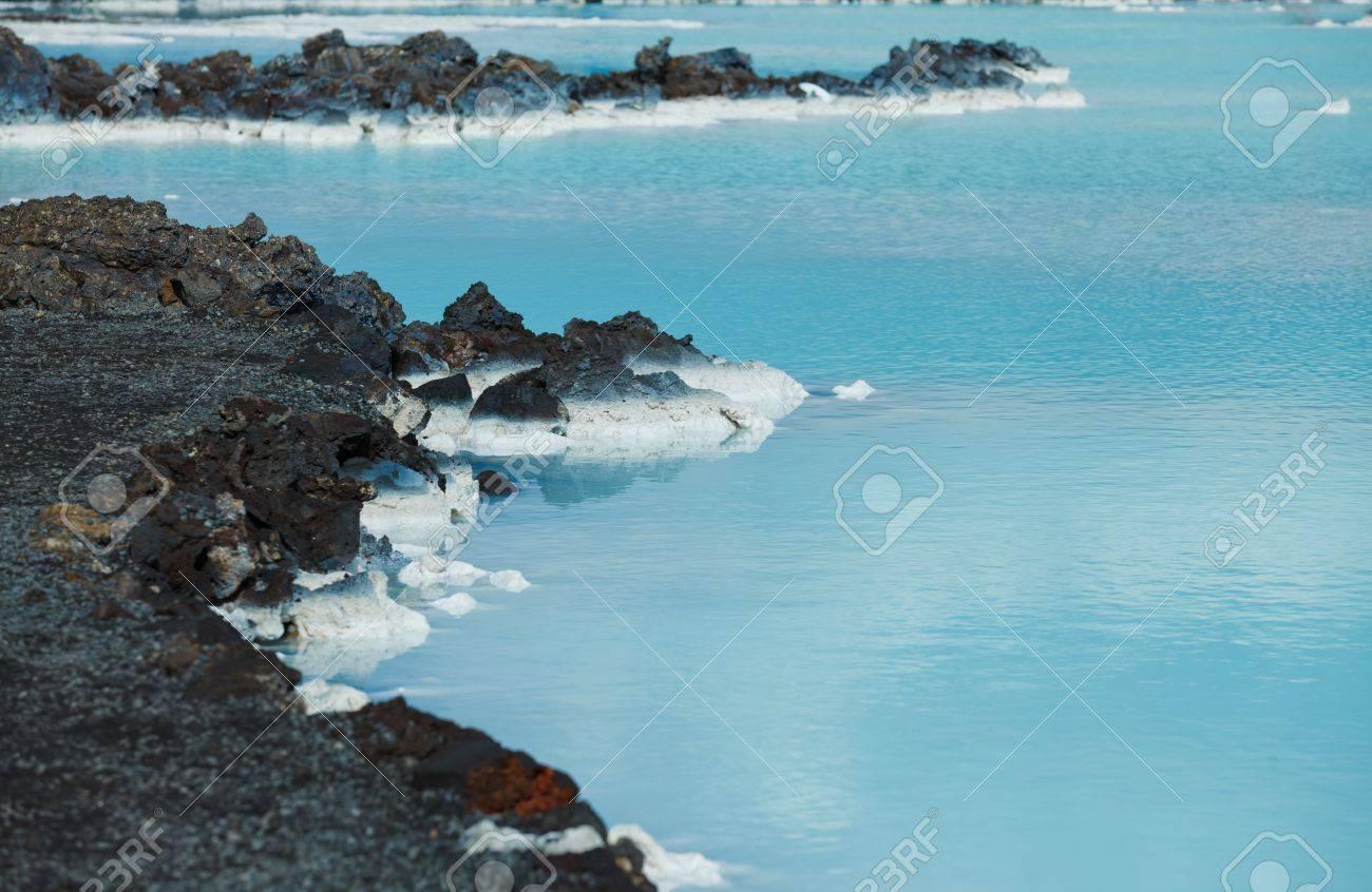 La célèbre salle de bain géothermique bleu lagon près de Reykjavik, Islande