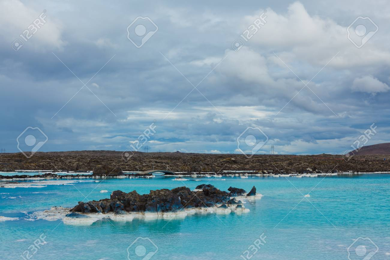 La Célèbre Salle De Bain Géothermique Bleu Lagon Près De Reykjavik ...