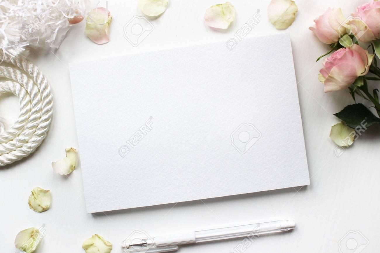 Mock up pour les présentations avec des roses concepteur de