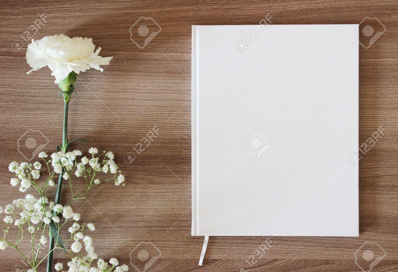 Blank Weiss Buch Zeitschrift Hochzeit Gastebuch Notebook Mockup