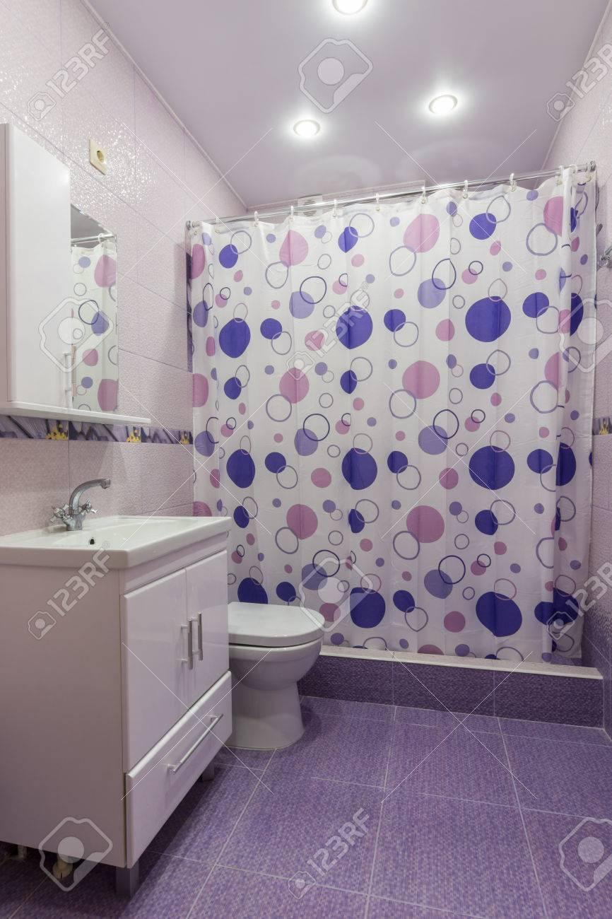 l'intérieur de la salle de bain, chambre avec dressing, rideau de