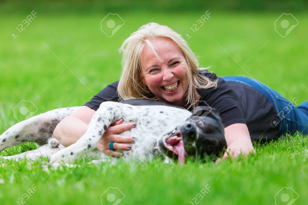 Frau und hund intim