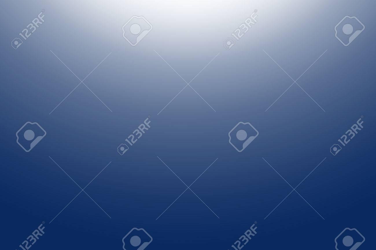 bleu foncé, bleu marine couleur de fond blanc gradient fort