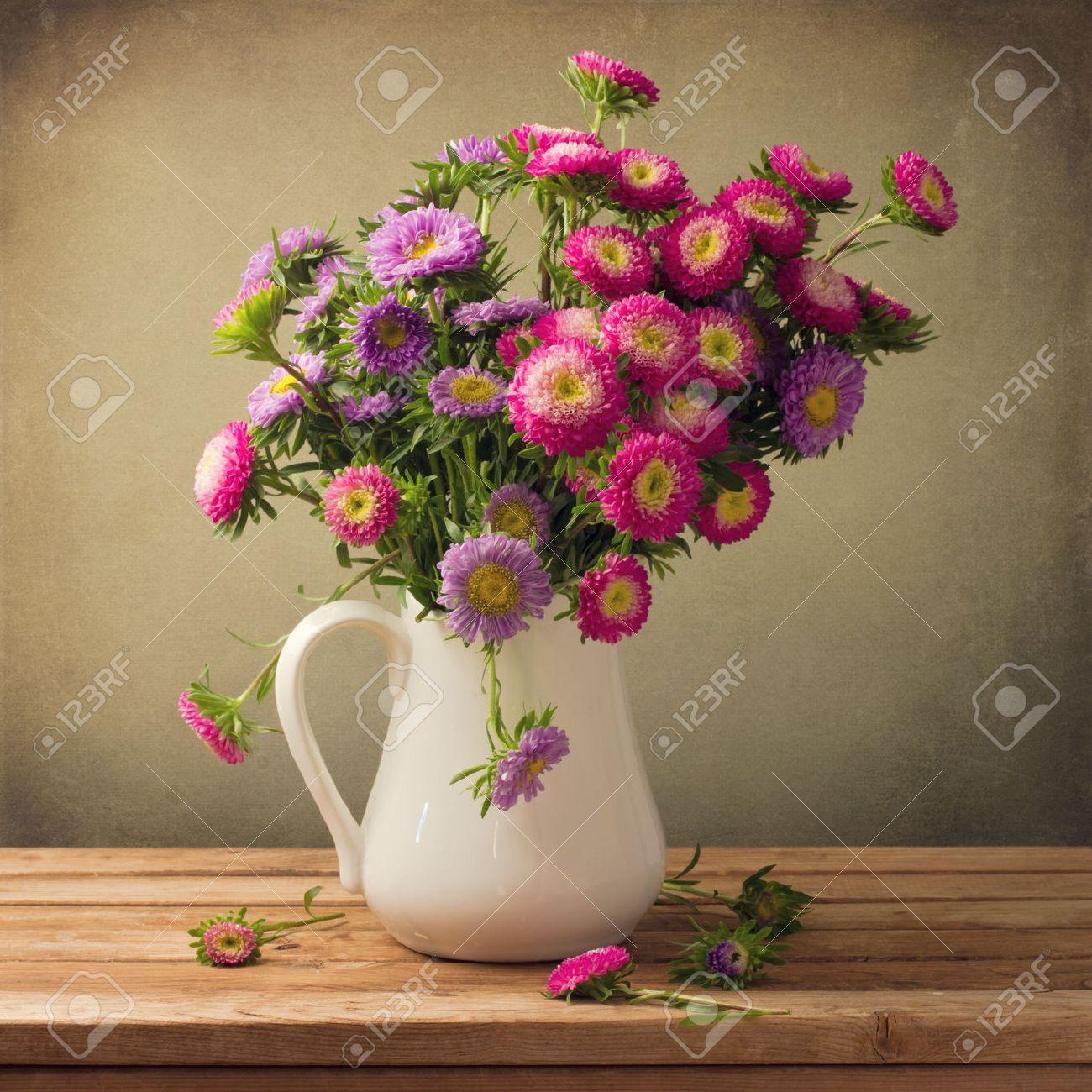 flower vase images u0026 stock pictures royalty free flower vase