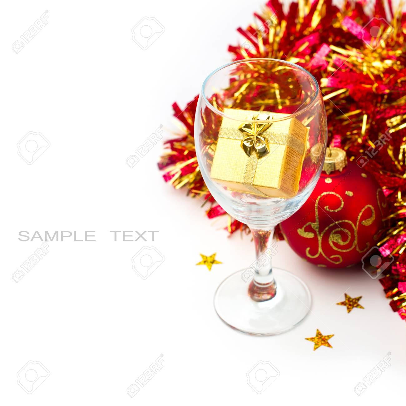 Weihnachtsferien Stilleben Mit Geschenk-Boxen Und Weinglas Auf ...