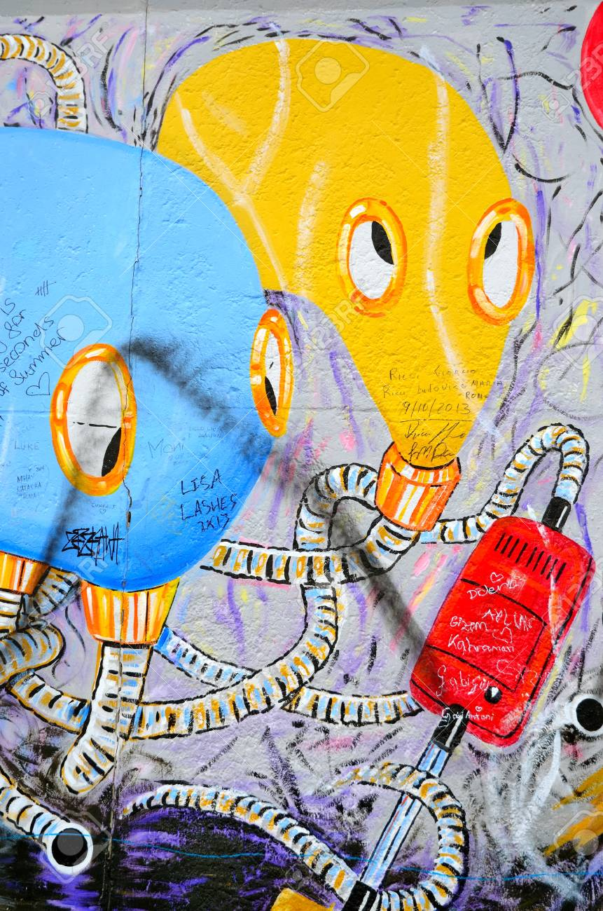 BERLIN, GERMANY - MAY 2, 2014: The Berlin Wall (Berliner Mauer ...
