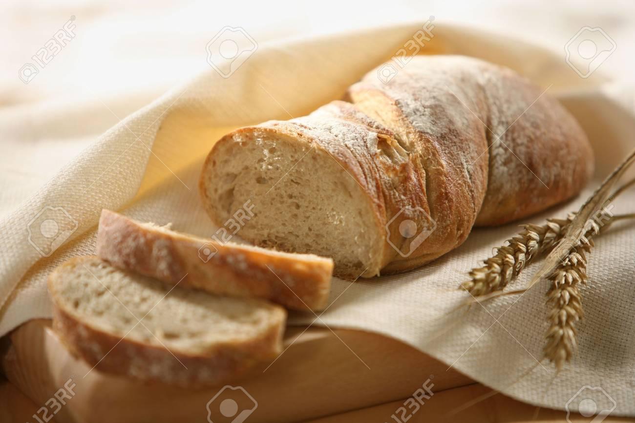 fresh sliced bread Stock Photo - 4744697