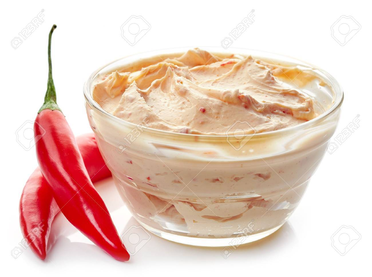 Chili Bilder bowl of cheese with chili and tomato dip sauce isolated on