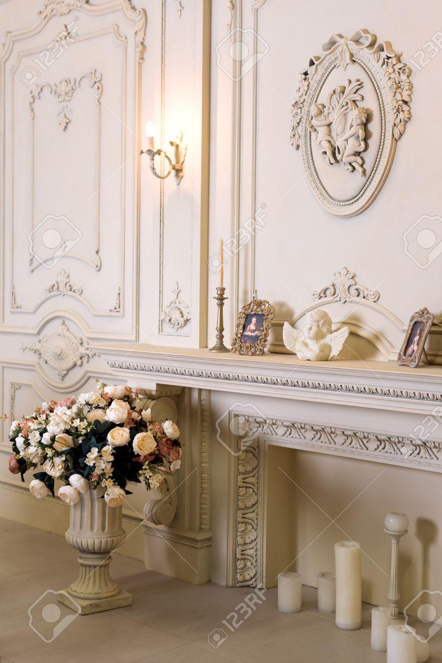 appartamento di lusso, classico comodo soggiorno. interni d'epoca ... - Soggiorno Classico Di Lusso 2