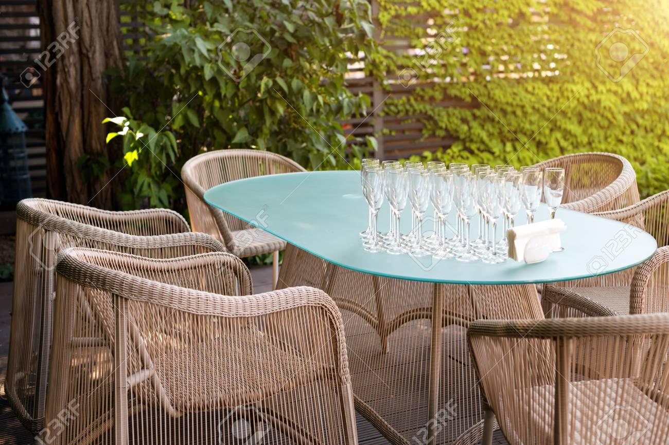 Sillones De Mimbre Y Mesa Muebles Modernos De Jardin Acogedor - Sillones-jardin