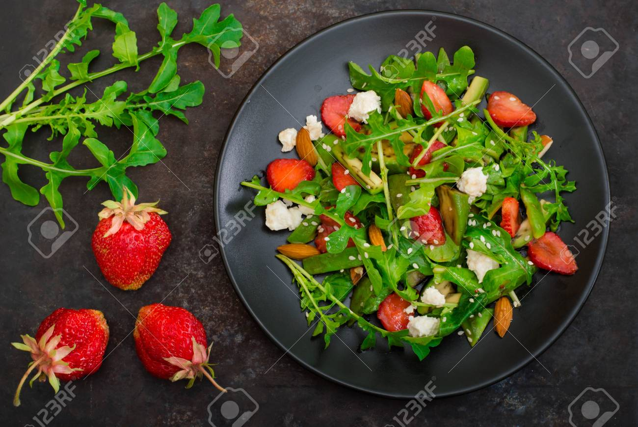 Superb Salad With Arugula Strawberries Cottage Cheese Olive Oil Download Free Architecture Designs Rallybritishbridgeorg