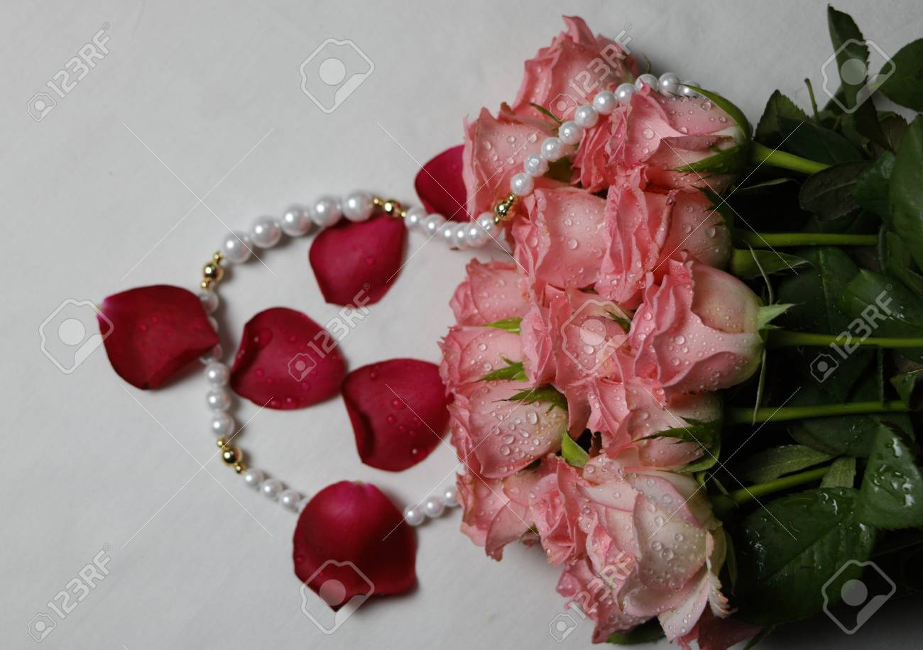 Beautiful Fress Pink Bunch Of Roses With Peal Set Meant For Love