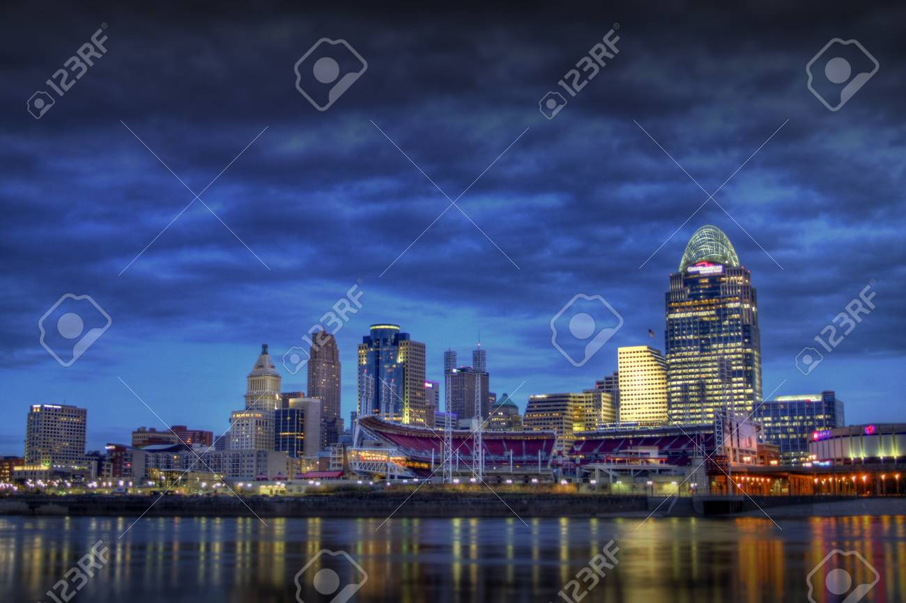 Editorial shot of Cincinnati Ohio, 7am January 15, 2012 as seen from the riverbank of Newport Kentucky Stock Photo - 12059339