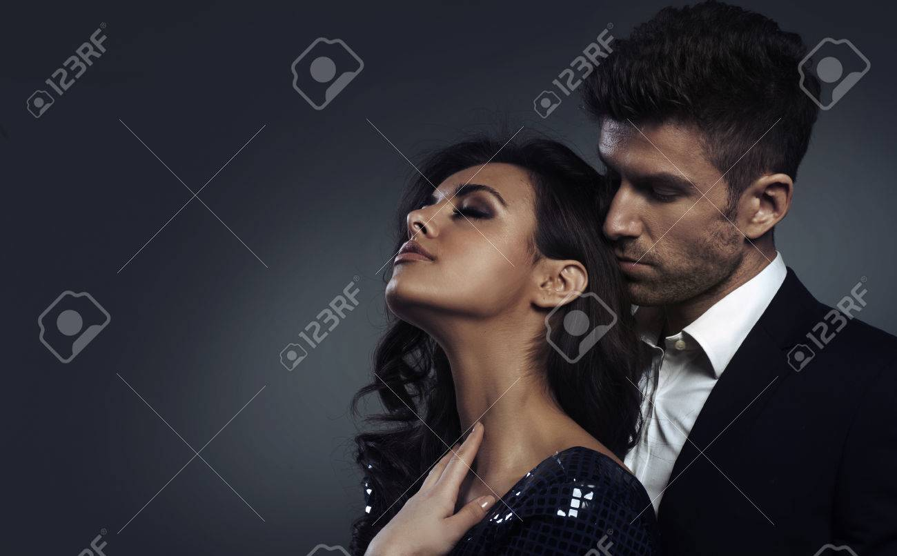 Closeup photo of the elegant young couple - 31322368