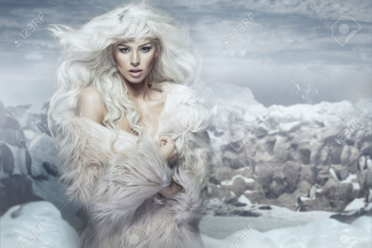 Snow queen on the penguins island - 32802165